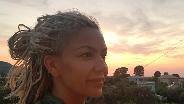 """Ани Халваджиян: """"Може да си стоим вкъщи, но нека не се затваряме в главите си"""""""