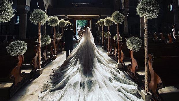 23-годишната наследница на Swarovski се омъжи в рокля за 1 млн. долара