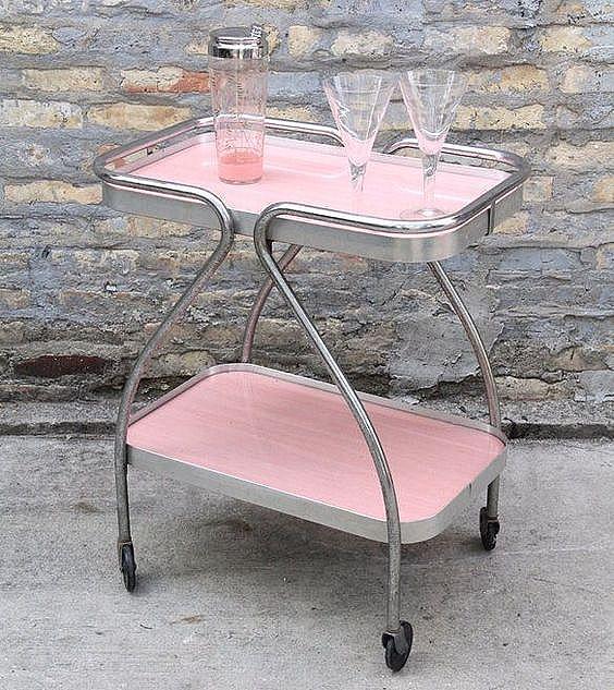Винтидж бар в розово,  krrb.com