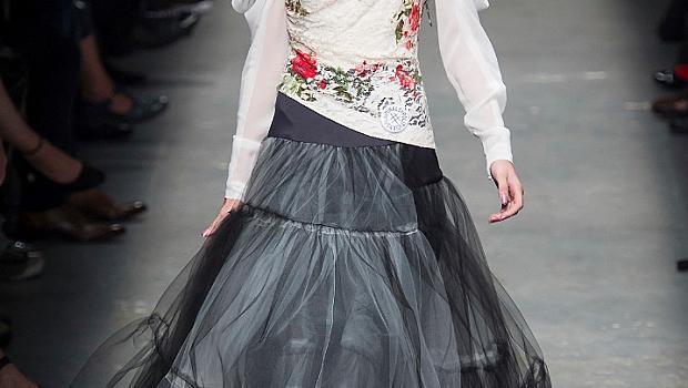 Идеи от подиум за абитуриентски рокли