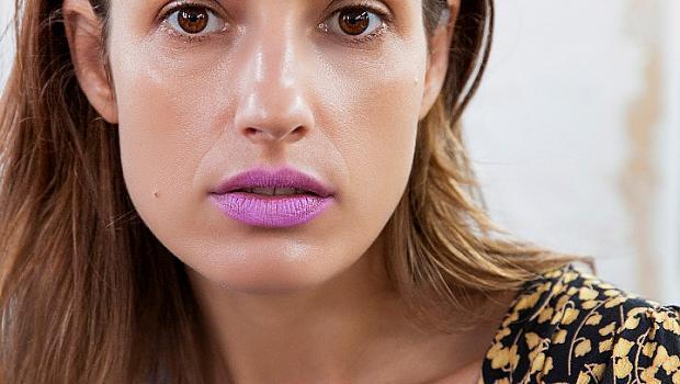 Цветни устни