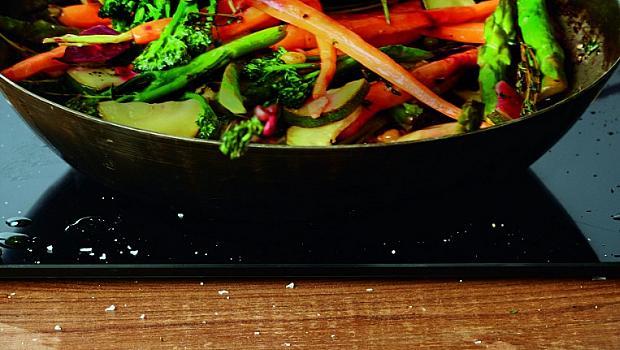 Задушени зеленчуци с масло Lurpak