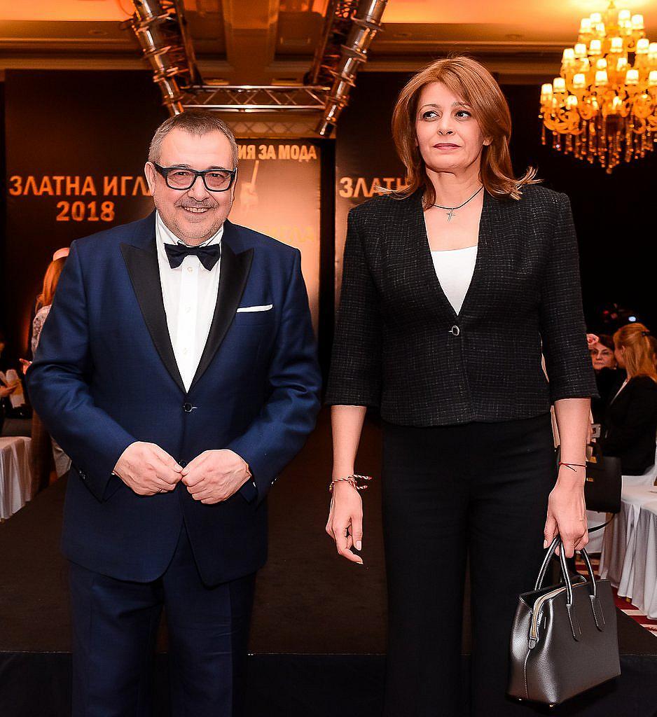 Първата дама г-жа Десислава Радева и проф. Любомир Стойков, председател на Aкадемията за мода.