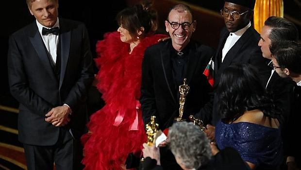 Какво прави българското знаме на сцената на Оскарите?